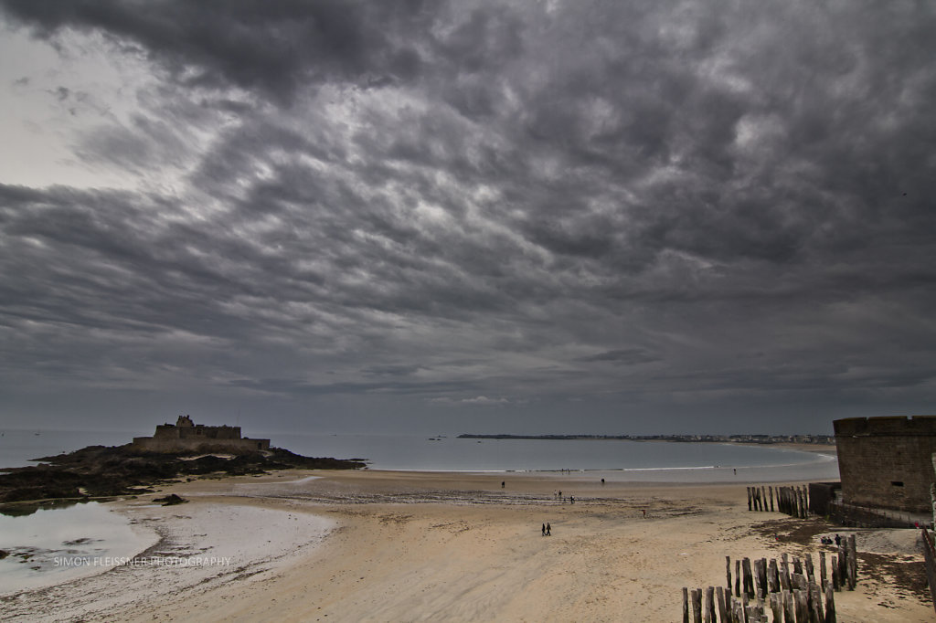 Vor Saint Malo im Sturm